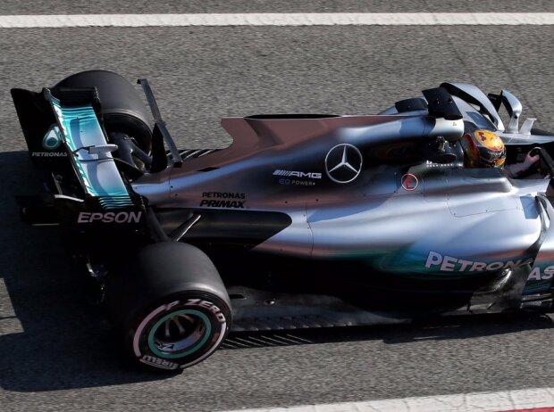 Lewis Hamilton, Segel, Finne