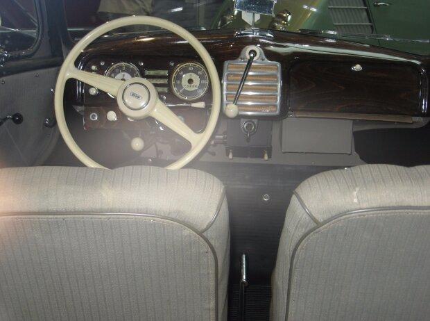 Innenraum und Cockpit des DKW F89