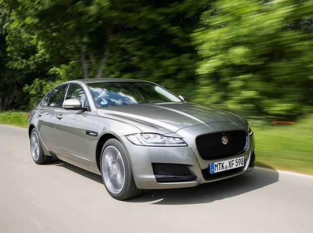 jaguar-modelljahrgang 2018: neue motoren und viel feinschliff