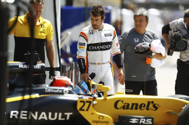 Fernando Alonso Nico Hülkenberg McLaren McLaren Honda F1 ~Fernando Alonso (McLaren) und Nico Hülkenberg (Renault) ~