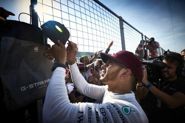 Lewis Hamilton Mercedes Mercedes AMG Petronas Motorsport F1 ~Lewis Hamilton (Mercedes) ~
