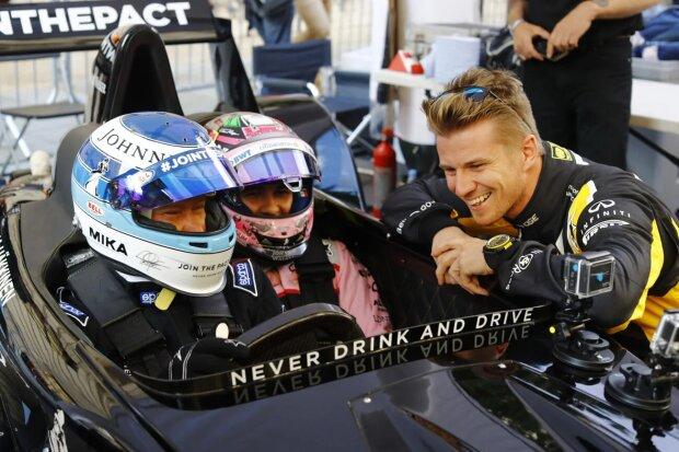 Mika Häkkinen Sergio Perez Force India Sahara Force India F1 Team F1 ~Mika Häkkinen und Sergio Perez (Force India) ~