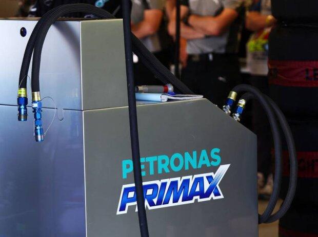 Petronas-Primax-Tankanlage des Mercedes-Teams