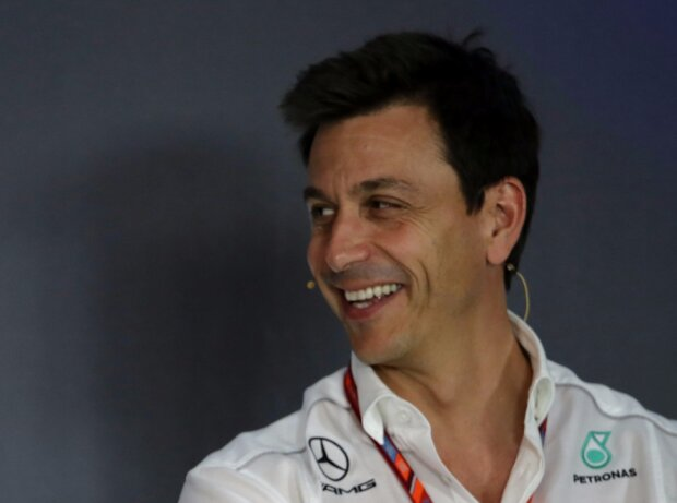 Eric Boullier, Toto Wolff