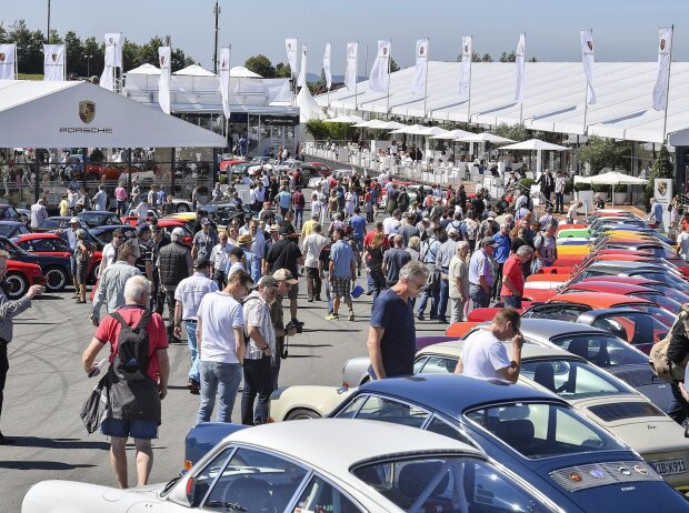 Porsche-Bereich beim AvD-Oldtimer-Grand-Prix