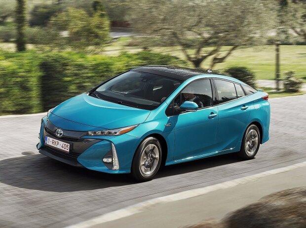 Toyota Prius Plug-in Hybrid mit Solardach