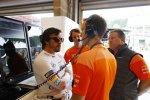 Fernando Alonso (McLaren) und Zak Brown
