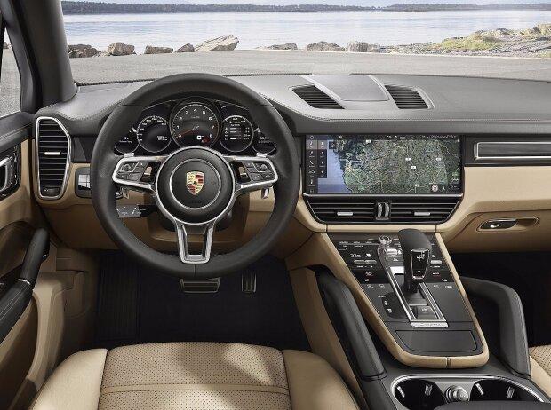 Innenraum und Cockpit des Porsche Cayenne 2018