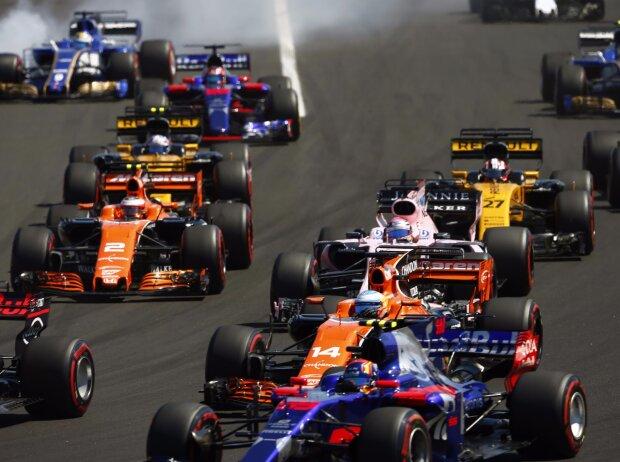 Marcus Ericsson, Carlos Sainz, Fernando Alonso, Sergio Perez, Stoffel Vandoorne, Nico Hülkenberg, Jolyon Palmer