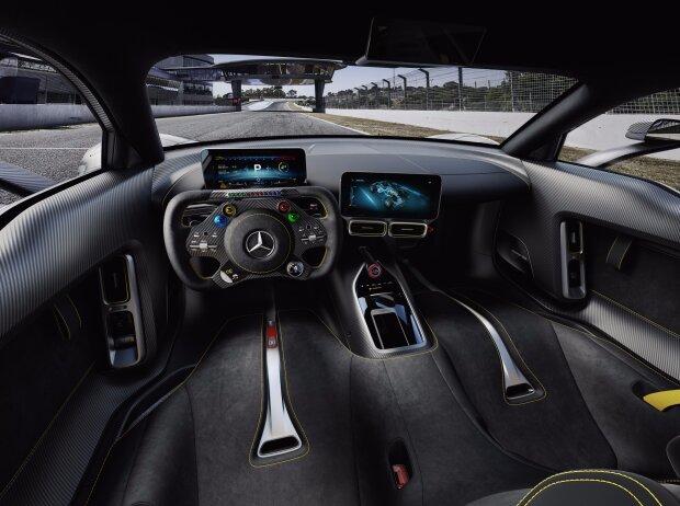 Innenraum des Mercedes-AMG Project ONE, zweisitziger Supersportwagen-mit modernster und effizientester Formel 1-Hybrid-Technologie, High Performance Plug-in Hybrid Antriebsstrang mit 1,6-Liter-V6-Turbobenzinmotor und vier Elektromotoren