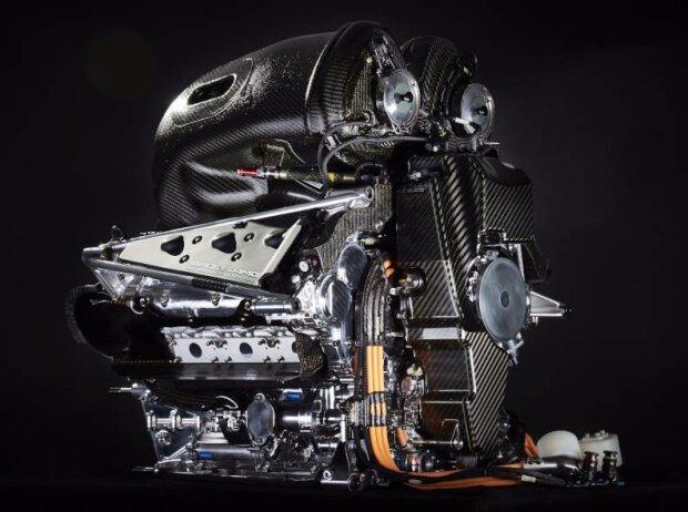 Mercedes-Motor