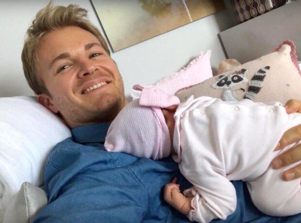 Nico Rosberg mit Töchterchen Naila