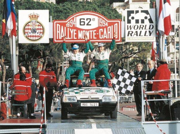 Pavel Sibera und Petr groß holten sich mit dem Skoda Favorit 136 L zwischen 1991 und 1994 viermal in Folge den Klassensieg bei der Rallye Monte Carlo
