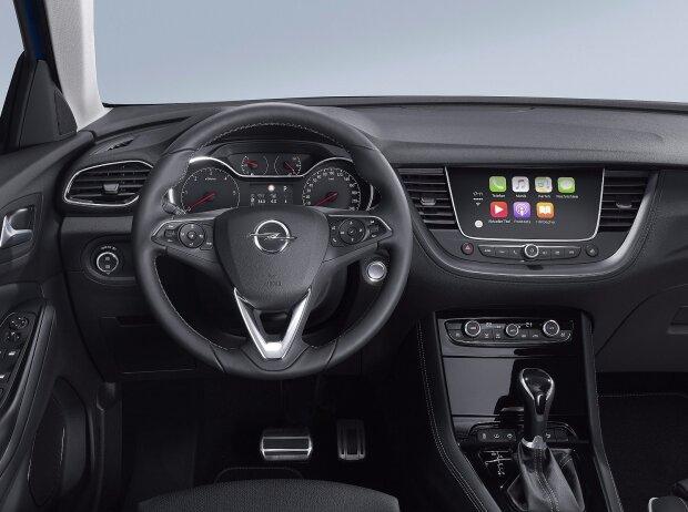 Innenraum und Cockpit des Opel Grandland X 2017