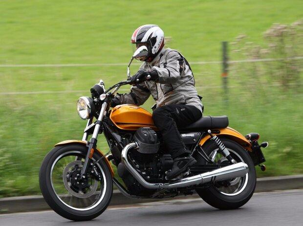 Moto Guzzi V9 Roamer 2017