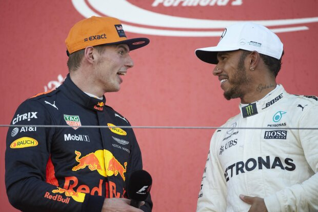 Max Verstappen Lewis Hamilton Mercedes Mercedes AMG Petronas Motorsport F1 ~Max Verstappen (Red Bull) und Lewis Hamilton (Mercedes) ~