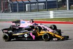 Carlos Sainz (Renault) und Sergio Perez (Force India)