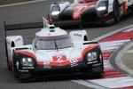 Timo Bernhard (Porsche) und Earl Bamber (Porsche)