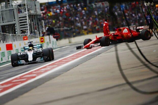 Lewis Hamilton Sebastian Vettel Ferrari Scuderia Ferrari F1Mercedes Mercedes AMG Petronas Motorsport F1 ~Lewis Hamilton (Mercedes) und Sebastian Vettel (Ferrari) ~