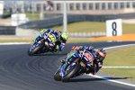 Maverick Vinales vor Valentino Rossi (Yamaha)