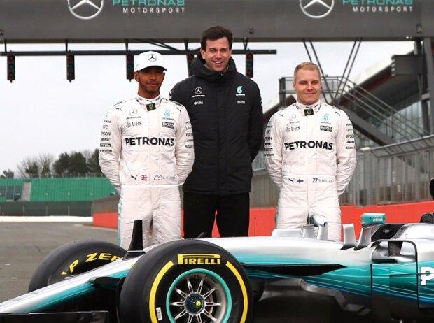 Lewis Hamilton, Toto Wolff, Valtteri Bottas