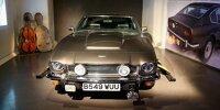 """Bond-Ausstellung in London: Aston Martin V8 Volante und Cello-Schlitten aus """"Der Hauch des Todes"""" (1987)"""