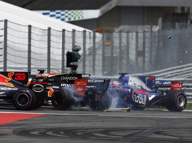 Daniil Kwjat, Fernando Alonso
