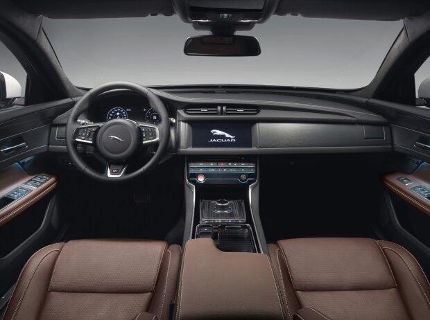 Innenraum und Cockpit des Jaguar XF Sportbrake