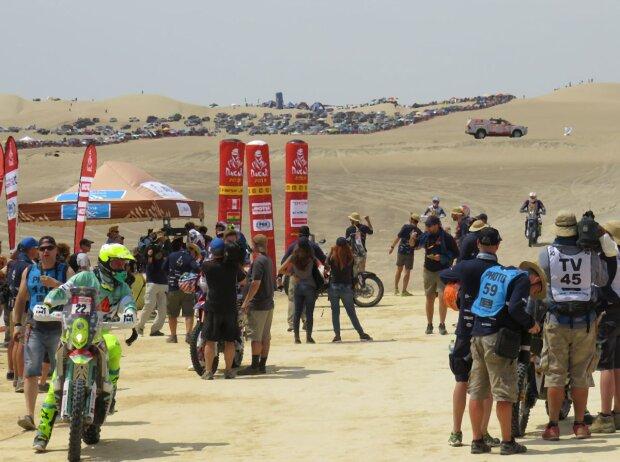 Der Zielbereich der ersten Etappe der 40. Rallye Dakar