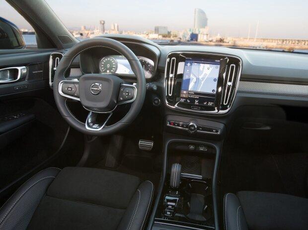 Innenraum und Cockpit des Volvo XC40