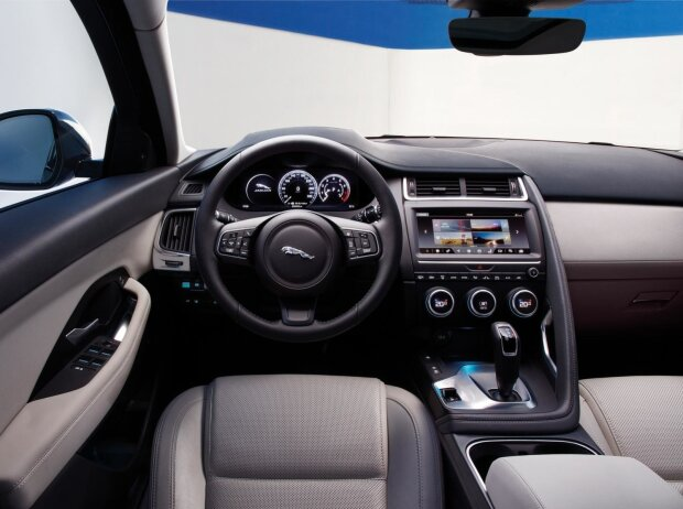 Innenraum und Cockpit des Jaguar E-Pace 2018