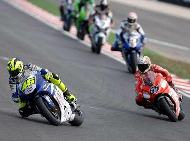 Valentino Rossi vor Loris Capirossi