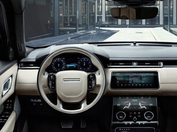 Cockpit des Range Rover Velar 2018