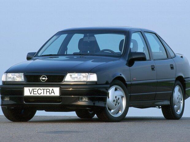 Opel Vectra A (1988 - 1995)