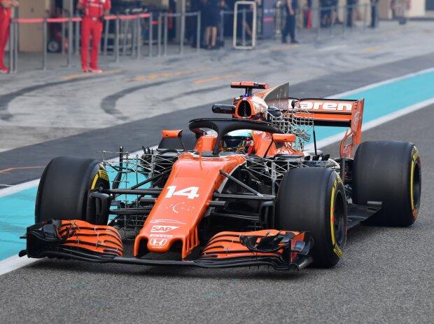 McLaren MCL32 mit Messgeräten und Aero-Element am Halo-Bügel