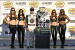Kevin Harvick (Stewart-Haas) und die Monster-Girls