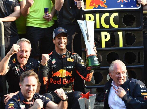 Daniel Ricciardo, Helmut Marko, Christian Horner, Martin Whitmarsh