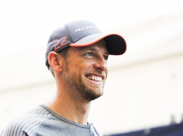 Kevin Magnussen, Jenson Button