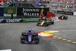 Pierre Gasly (Toro Rosso), Nico Hülkenberg (Renault) und Max Verstappen (Red Bull)