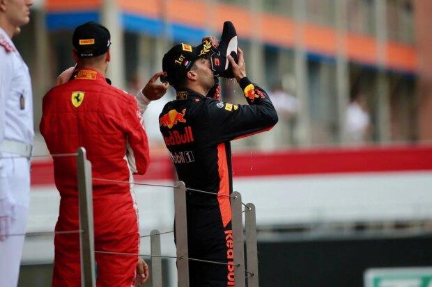 Daniel Ricciardo Red Bull Aston Martin Red Bull Racing F1 ~Daniel Ricciardo (Red Bull) ~