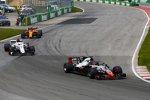Romain Grosjean (Haas), Marcus Ericsson (Sauber) und Stoffel Vandoorne (McLaren)