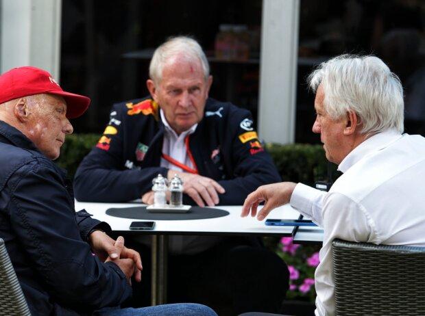 Niki Lauda, Helmut Marko, Charlie Whiting