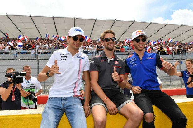 Esteban Ocon Romain Grosjean Pierre Gasly Force India Sahara Force India F1 Team F1Toro Rosso Red Bull Toro Rosso Honda F1 ~Esteban Ocon (Force India), Romain Grosjean (Haas) und Pierre Gasly (Toro Rosso) ~