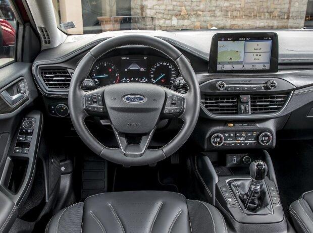 Cockpit des Ford Focus 2018