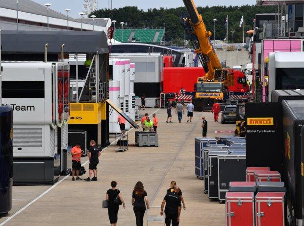 Formel-1-Paddock in Silverstone