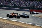 Stoffel Vandoorne (McLaren) und Lewis Hamilton (Mercedes)