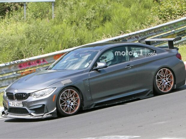 M4 extrem am Nürburgring: Offenbar bringt BMW den legendären CSL zurück