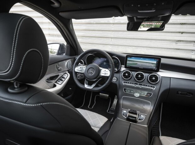 Mercedes-Benz C 300 d Facelift 2018 Innenraum und Cockpit