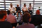 Fernando Alonso (McLaren), Zak Brown und Stoffel Vandoorne (McLaren)