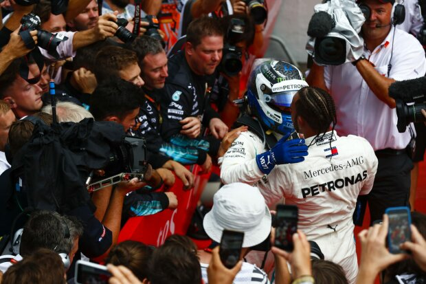 Valtteri Bottas Lewis Hamilton Mercedes Mercedes AMG Petronas Motorsport F1 ~Valtteri Bottas (Mercedes) und Lewis Hamilton (Mercedes) ~